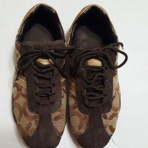 🎀COACH🎀Womens shoes size 6M